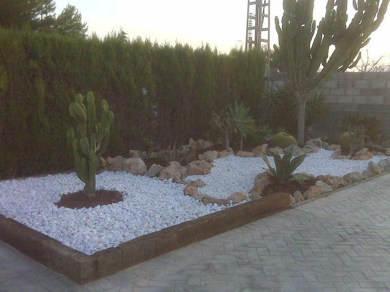Paisajismo y dise o de jardines en alicante for Diseno de jardines pequenos fotos